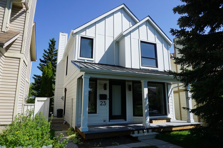 After - Hardiepanel Vertical Siding